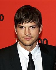 192px-Ashton_Kutcher_by_David_Shankbone